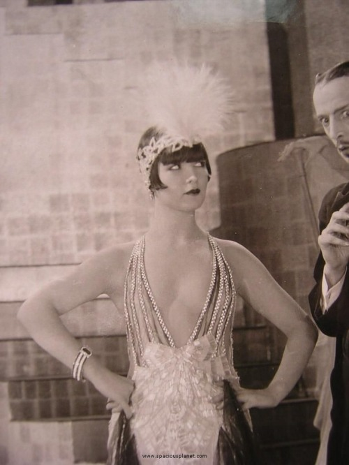 giftvintage:  Louise Brooks  Love the dress! And Louise!