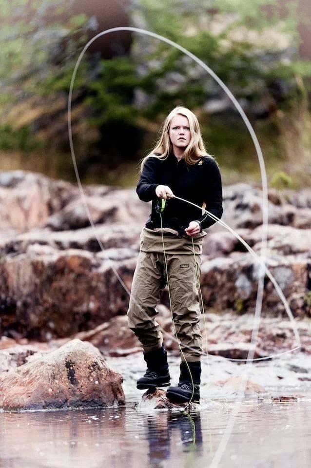 Flyfishing girl