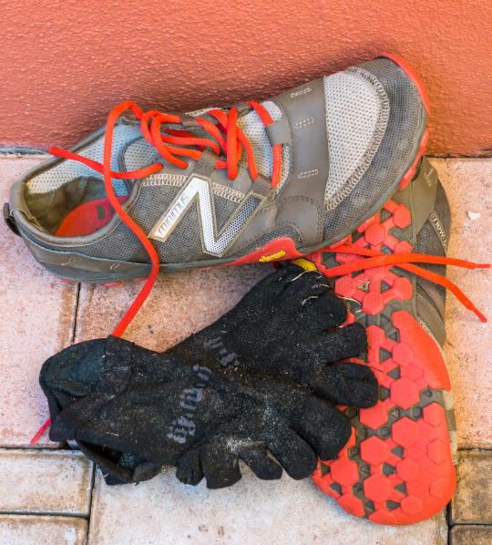 The Minimus 10v2 Trail shoes and Injinji socks that I wore