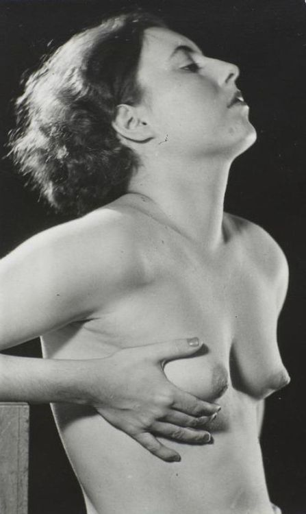sogniemeraviglie:  Man Ray - Connoly, 1930  Perfect little tits!