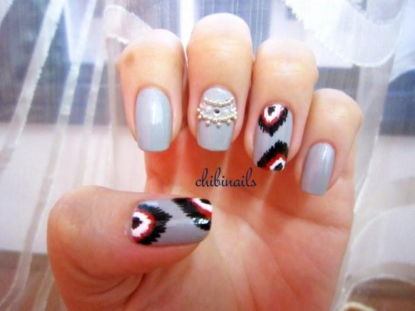 Nail Art With Rhinestones