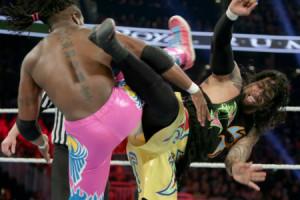 Royal Rumble 2016 - New Day vs Usos