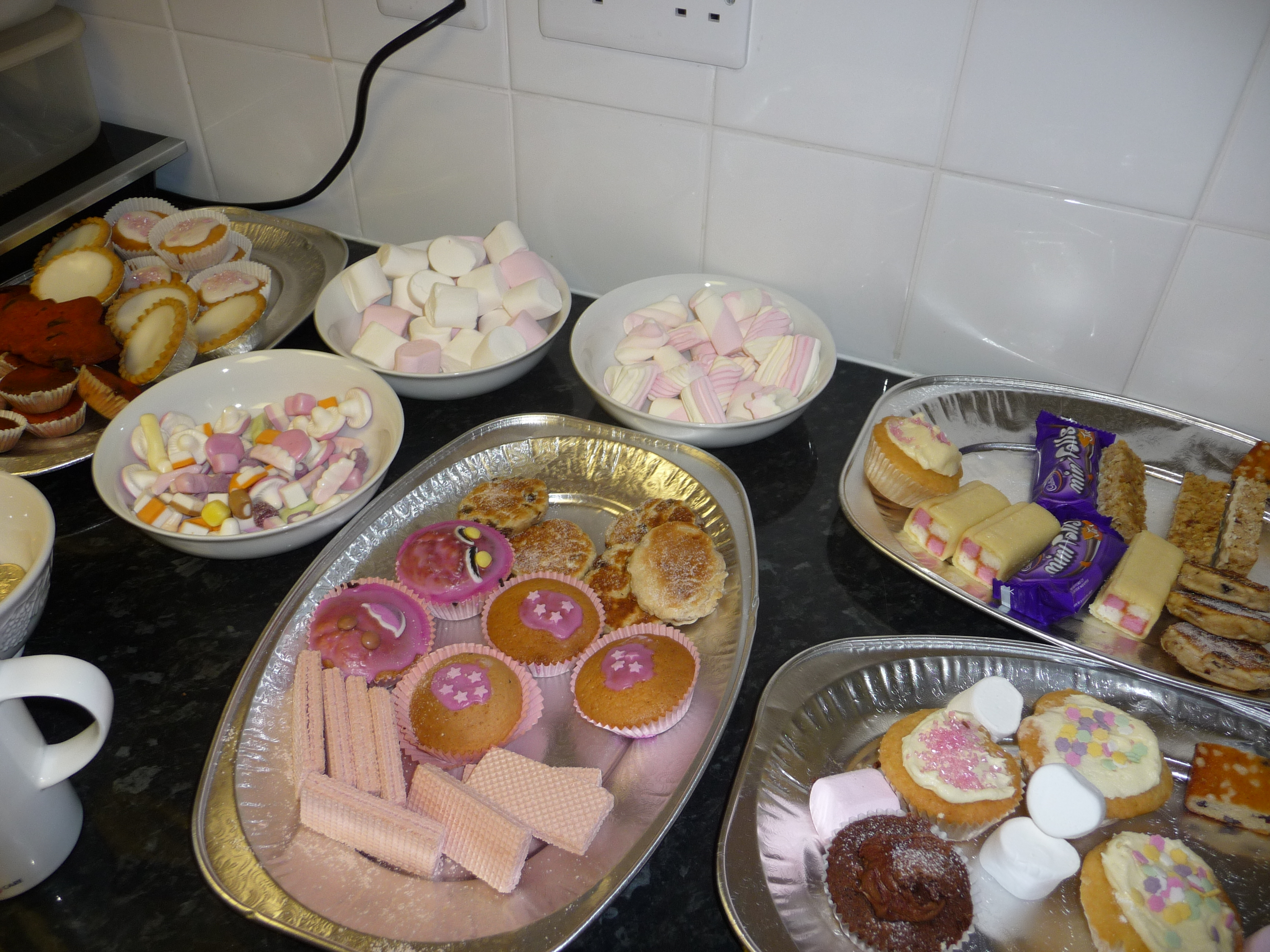 More cakes...