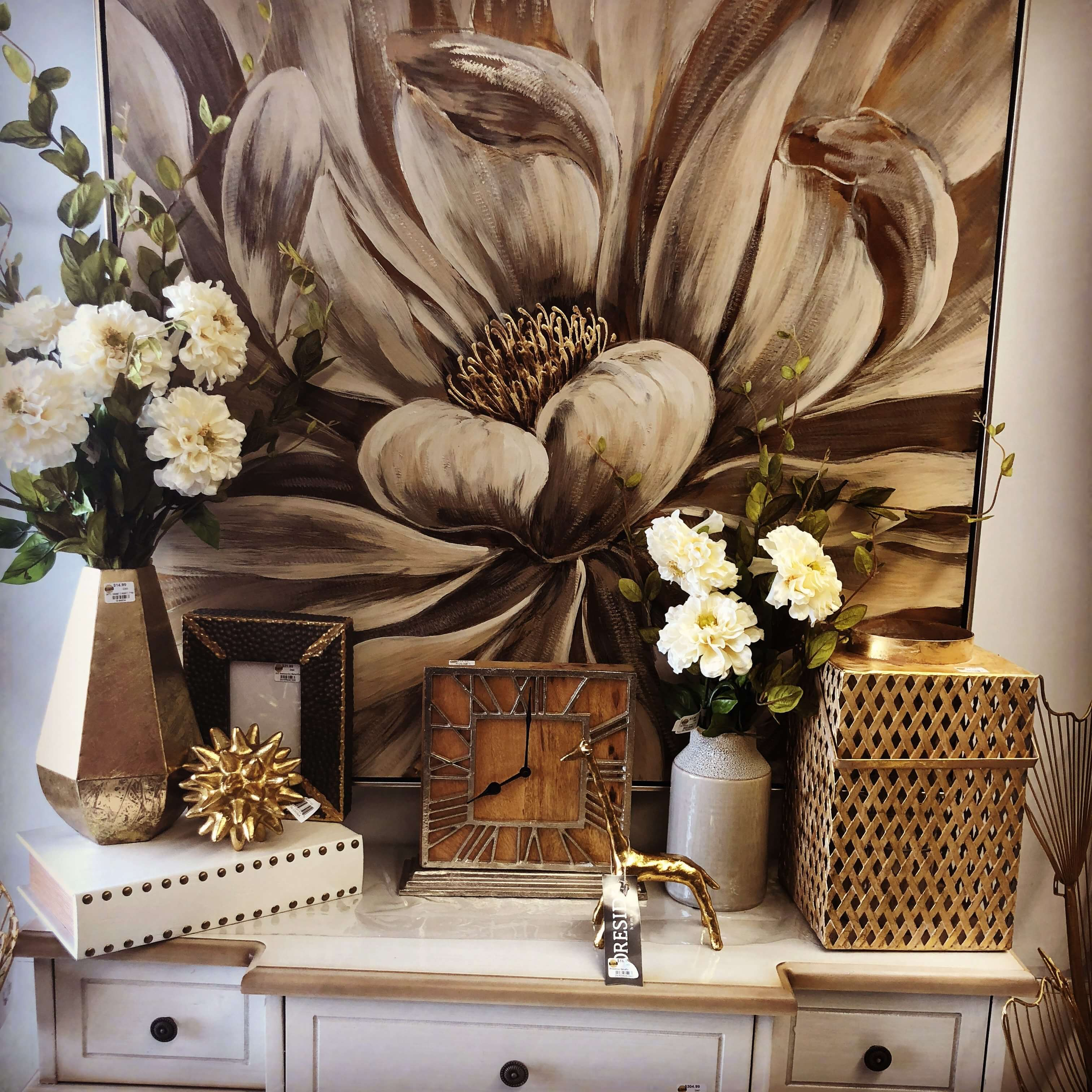 Gold Accents At Real Deals On Home Decor ...