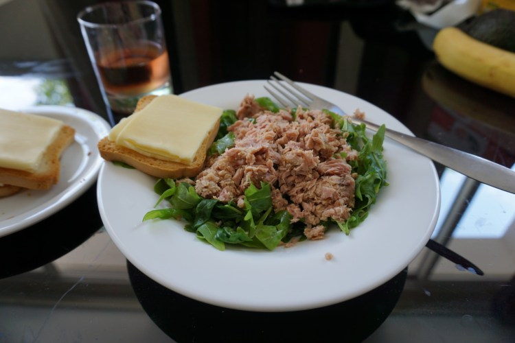 Tuna salad with gluten free biscotte and cheese | Cannes | South of France