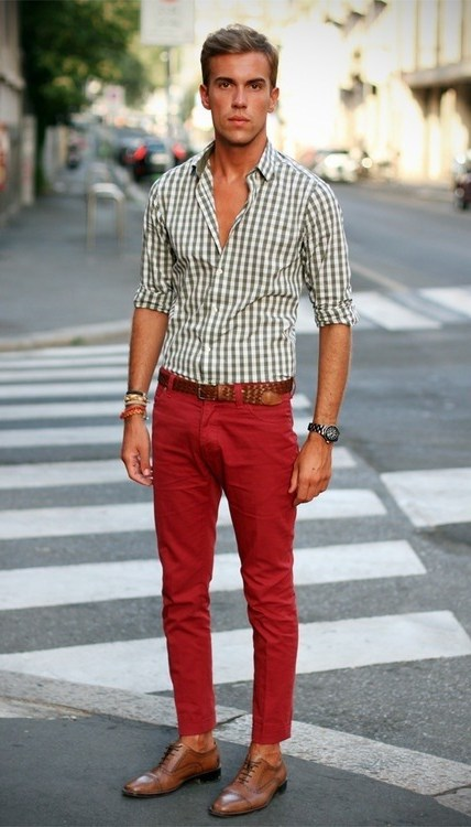 How to wear plaid shirts with chinos