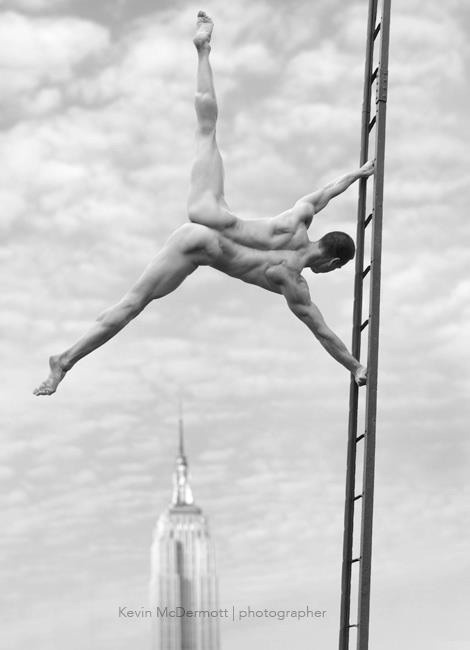 naked flag gymnast Empire State Building