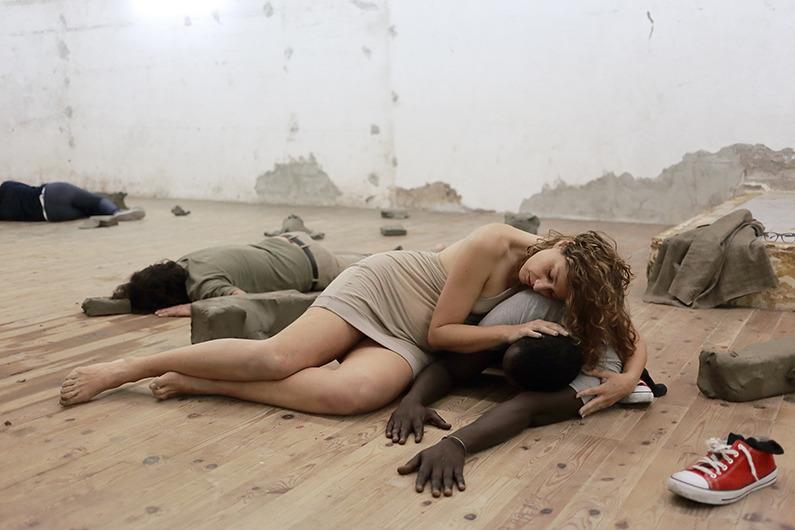 Virginia Zanetti, Poggiare i piedi dentro l'anima. Studio quarto per l'estasi nel paesaggio, Galleria Dino Morra Arte Contemporanea, Napoli, 2015 ph Agostino Rampino