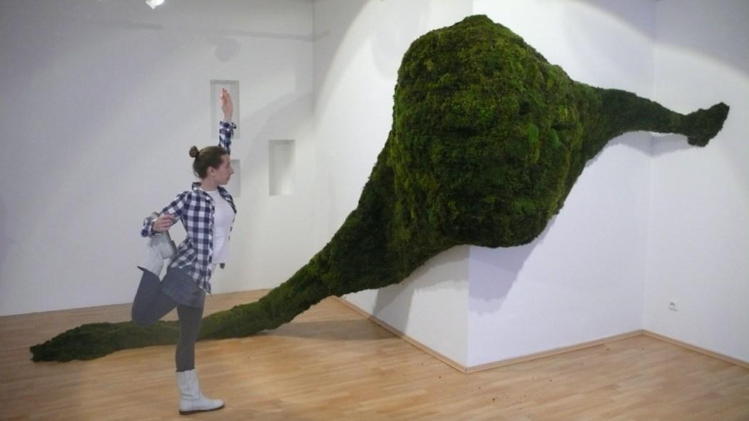 """Yoga und Moos,……. (Ausstellung in der Galerie Ikosaeder """"Drinnen/draußen"""")"""