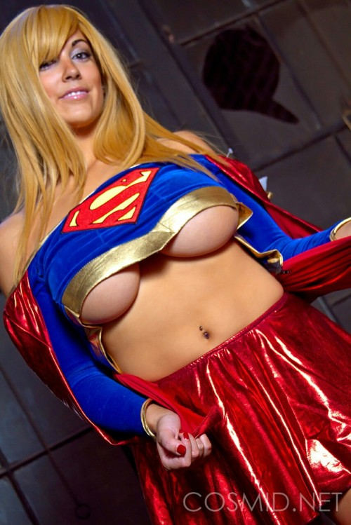 Cosplay : Tasha Cole Supergirl