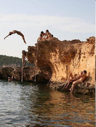 naked cliff diving