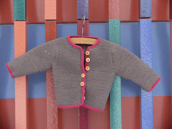 mangia minga // Baby, it's cold outside. Knitting a bavarian-style baby jacket - a Jankerl