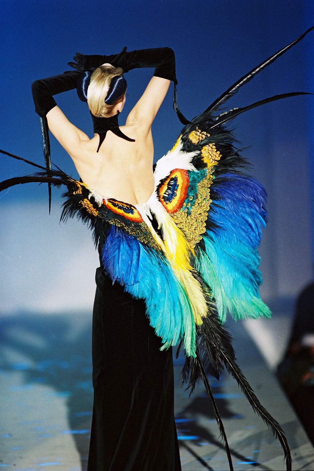 a-state-of-bliss:  Thierry Mugler Haute Couture Spr/Sum 1997