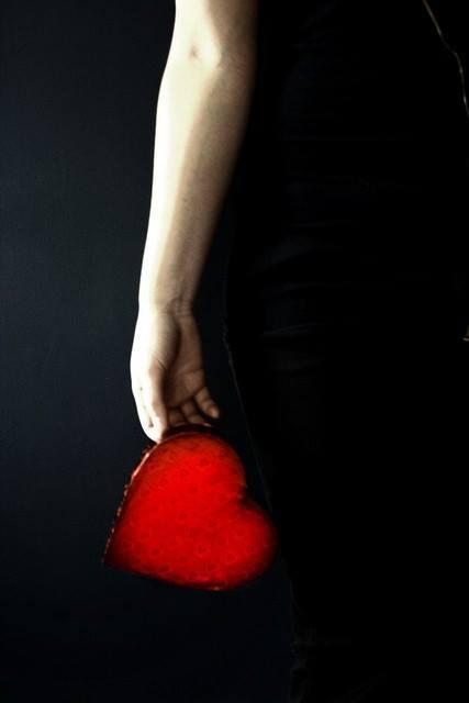 """occhietti:  """"…aspetta e aspetta ancora. Stai ferma, in silenzio, e ascolta il tuo cuore. Quando poi ti parla, alzati e va' dove lui ti porta."""" Susanna Tamaro, Va' dove ti porta il cuore"""