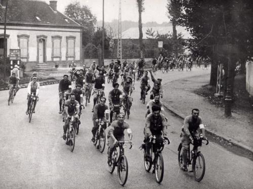 gibier3000:</p> <p>Paris Brest Paris 1931.