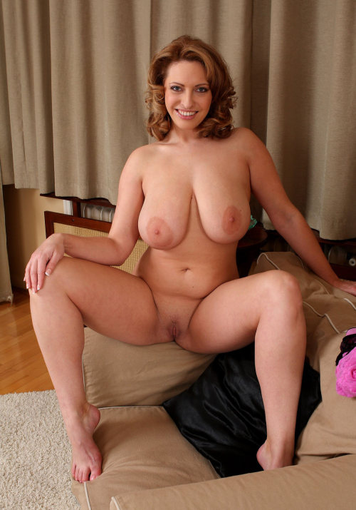 milfulus:wildmaturemoms:http://wildmaturemoms.tumblr.com/