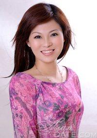 Asian member picture: Qiuhua from Beijing, 47 yo, hair ...