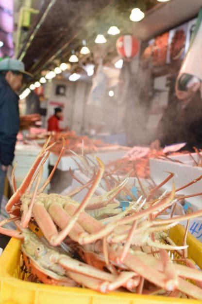 近江市場にはたくさんの蟹が並んでいました