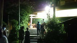 鎌倉の御霊神社の不思議な電車の写真