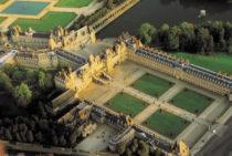 Vers le site du château de Fontainebleau