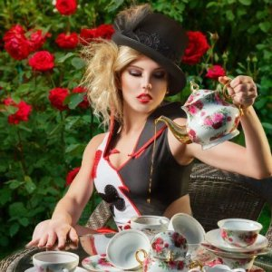 card queen at mystic tea-party