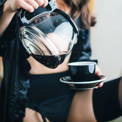 Woman Dessous Black Coffee