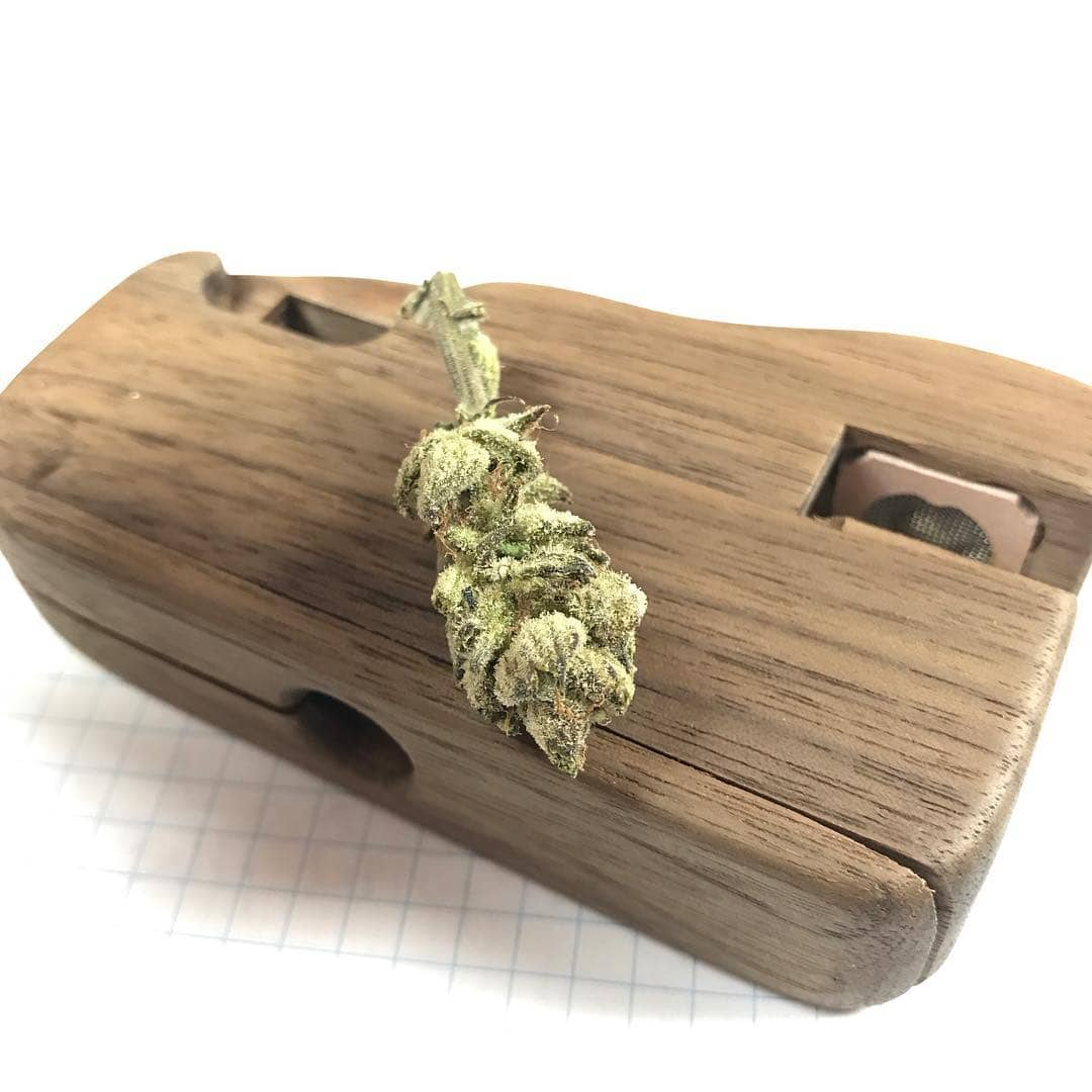 Firewood 5 Review – True On-Demand Convection Dry Herb Vaporizer