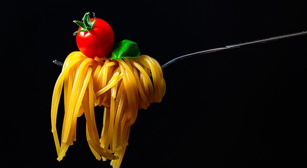 Consumir carbohidratos durante el entrenamiento, aumentado las dosis de éstos, es una de las estrategias que aconseja la nutricionista Andrea Gilmond/Pixabay.com