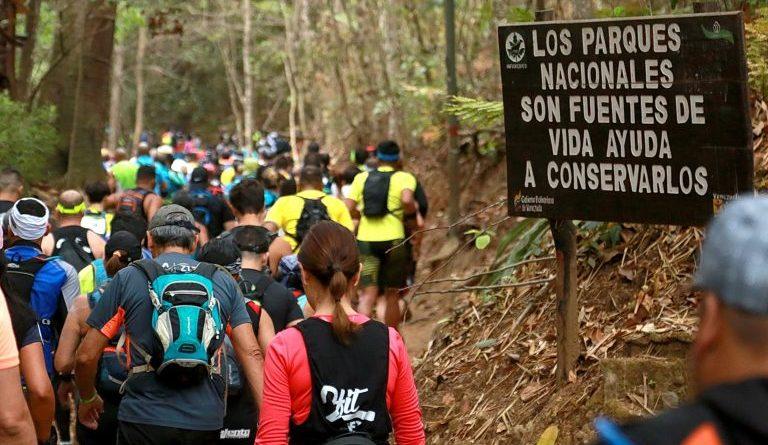 Salida de la carrera Vertical de Retos.Info en Sabas Nieves/Pablo Castillo