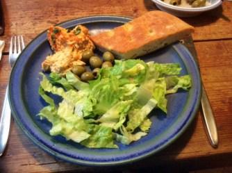 13.3.16 - Focaccia,Hummus,Salat,Obstsalat,vegan (18)