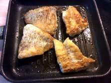 25.3.16 - Rotbarsch,Süßkartoffelpürree,Salat,Petersiliensoße (5)