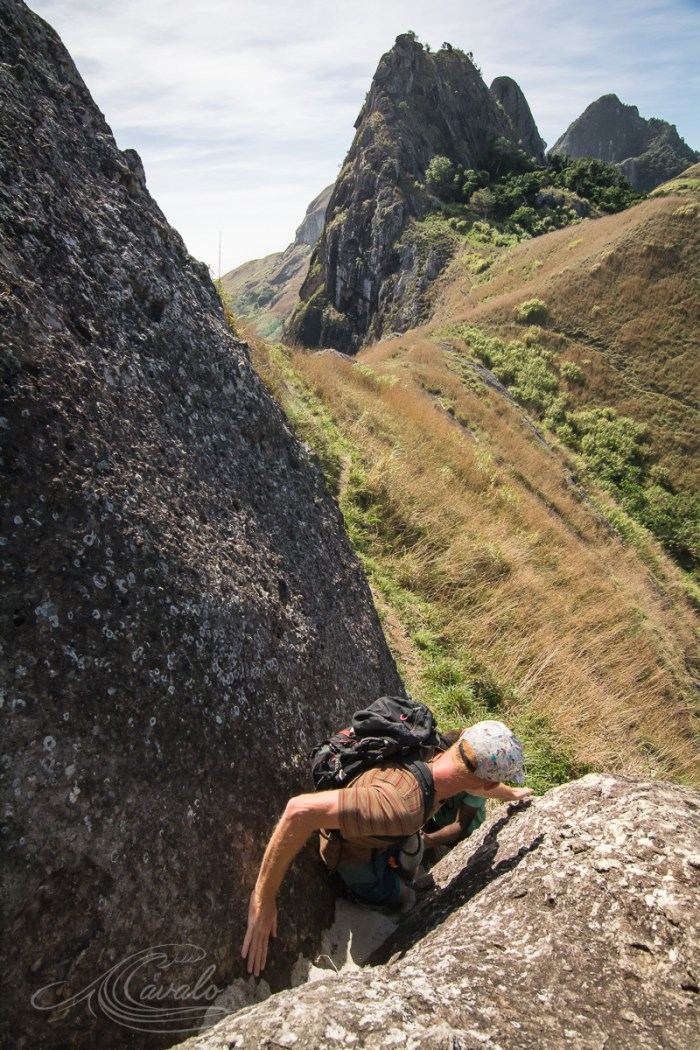 hiking fiji mountains yasawa ulikaukau
