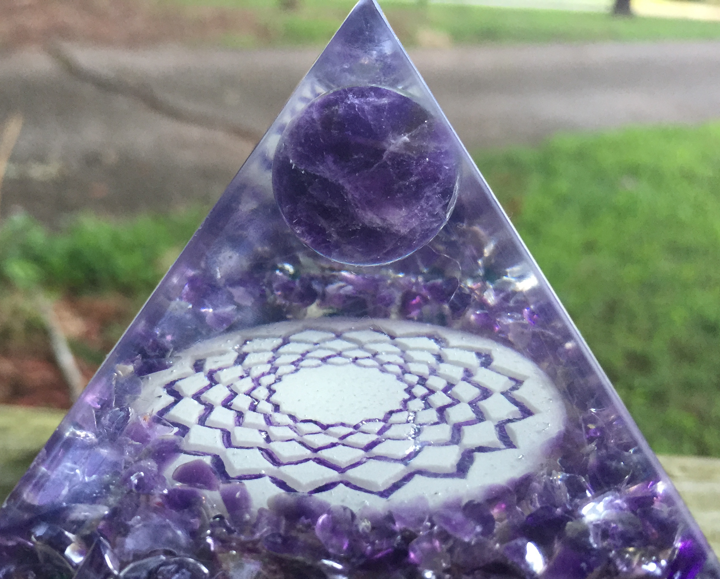 432oneness, orgone, orgonite, amethyst, crystals, third eye, sovereign stone, violet flame