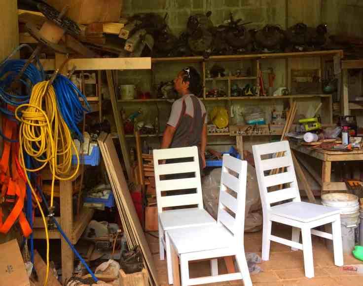 Trin in a workshop at Refugio Solté