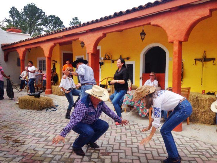 dancing at the Cabalgata
