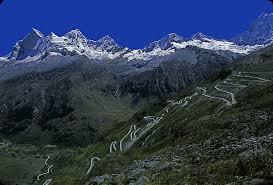 The winding road up to Punto Pass before getting to the Santa Cruz Trek