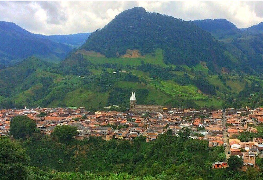 Overlooking the town of Jardin