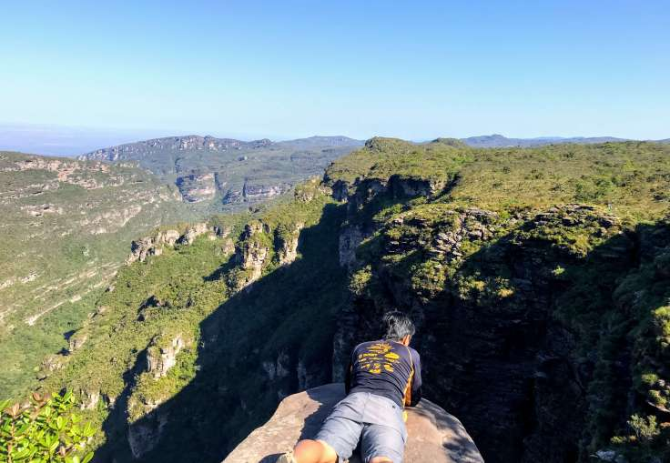 Looking over the edge to see the waterfall that turns to mist in Chapada Diamantina