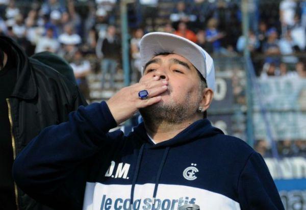 Diego Maradona le dijo adiós al mundo Gimnasia con una carta