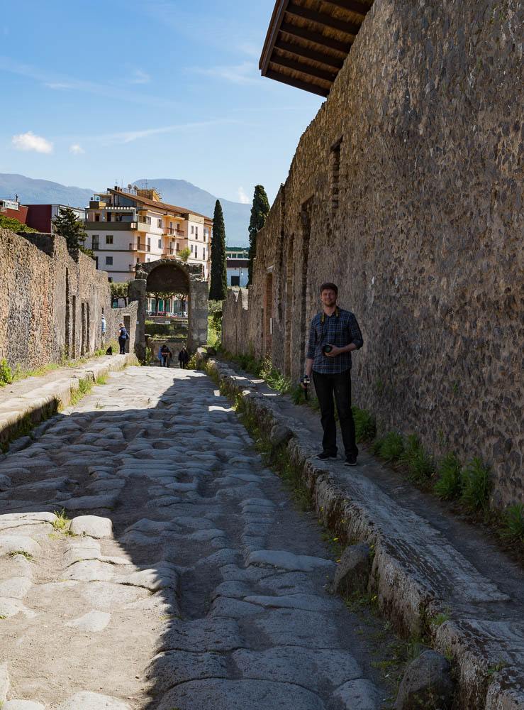 Following the sky Italy Pompeii travel-8