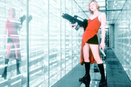 Milla Jovovich in <em>Resident Evil</em>