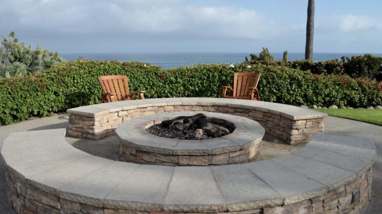34 backyard fire pit ideas and designs