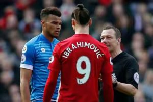 Manchester-Uniteds-Zlatan-Ibrahimovic-and-Bournemouths-Tyrone-Mings-are-spoken-to-by-referee-Kevin-300x200 Foreign News Sports