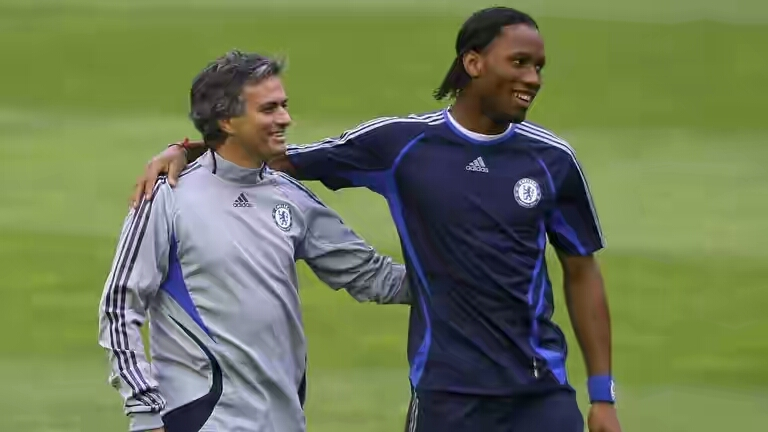 mourinho-didier-drogba-chelsea_3755351 Editorials Foreign General News News Sports