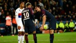 Neymar And Cavani Fights Over Penalty Kick