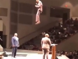 Video:?Pastor shocks his congregation as he appears from the