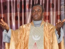 Unknown gunmen attack Father Mbaka in Enugu