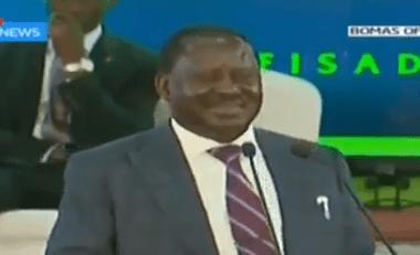 Video: Former Kenyan prime Minister, Ralia Odinga, uses Nigeria to crack corruption joke at a summit