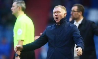 Paul Scholes on the touchline at Oldham