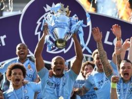 Vincent Kompany, Manchester City, Premier League trophy
